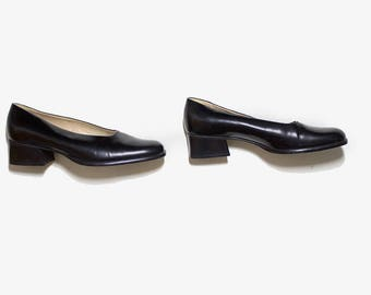 Vintage Leather Heels 6.5 / Black Leather Pumps / Block Heel Pumps / Minimalist Shoes