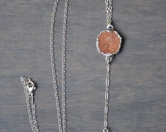 Druzy Feather Lariat Necklace in Silver