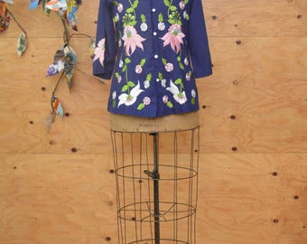 Vintage 70's Tunic Style Button Up Blouse Short Sleeves Navy Blue & Pink Ethnic Embroidered Detail SZ S/M