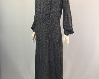 1930s vintage leaf and trellis print dress with ruched and weighted panels and fabulous bishop sleeves