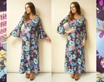 1970's Vintage Psychedelic Printed Hippie Bell Sleeve Maxi Dress Size S/M
