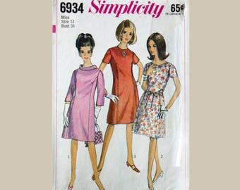 Simplicity Dress Pattern, size 14,  Bust 34