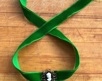 Victorian Style Cameo Choker Necklace Vintage Estate Fabulous Green Velvet Ribbon
