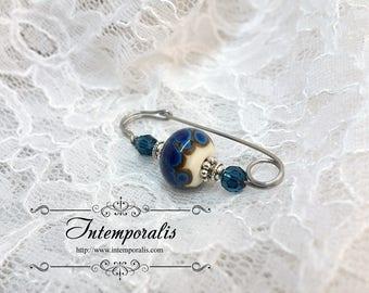 Broche, épingle de châle en verre filé bleu et ivoire, pièce unique, SAFI01