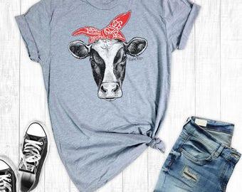 Cow T-Shirt, Women's T-shirt, Farm Shirts, Graphic Shirt, Cow Shirt, Cowgirl Shirt, Country Shirt, Southern Shirts