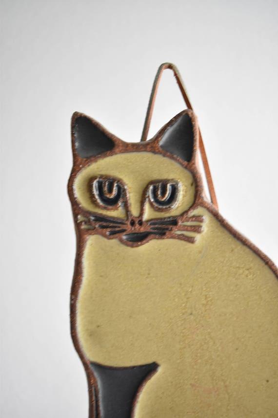 stoneware wall hanging cat figurine sculpture / valentine's day gift cat lover