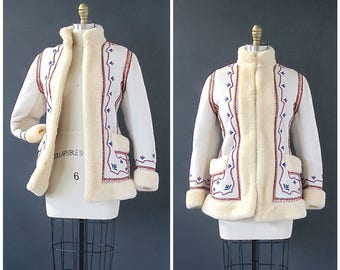 SHEAR MADNESS 1970's Shearling Leather Jacket   Embroidered Sheepskin Coat   Whip-Stitch Trim   Hippie, Boho   Size Extra Small