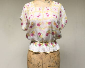Vintage 1940s Blouse / 40s Floral Pajama Top / Small