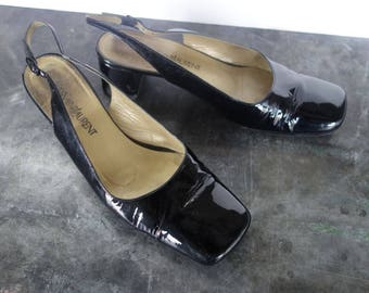 Yves Saint Laurent vintage 1970's patent leather slingback low heels size 6