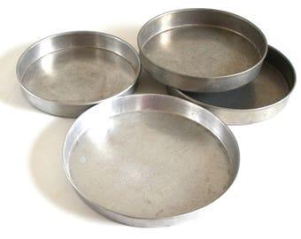 Wearever Cake Pans No. 89 9.25 x 1; 2713, 286 8 x 1.25; 2715 9 x 1.5; Aluminum Bakeware, Round Layer Cake Pan