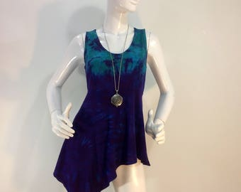 M tie dye bamboo tank top in purple and turquoise.