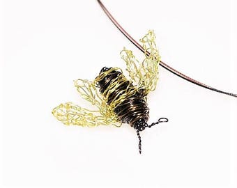 Bee necklace, bee sculpture art jewelry, wire Insect jewelry, bee pendant, boho chic, black gold, Easter, Christmas cute gift for girlfriend