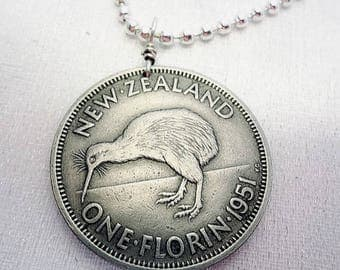 Kiwi necklace - Vintage New Zealand KIWI BIRD coin necklace - flightless bird - bird necklace - bird jewelry - medallion - kiwi jewelry