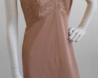 Vintage Full Slip Brown Lace by Vanity Fair Size 32 Cocoa Brown Slip dress