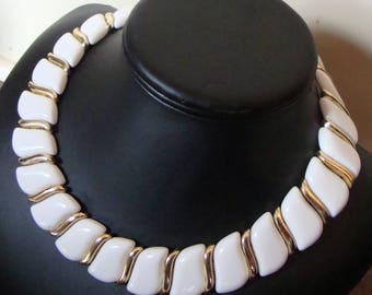 WHITE and GOLD segmented NECKLACE 60's 1960's