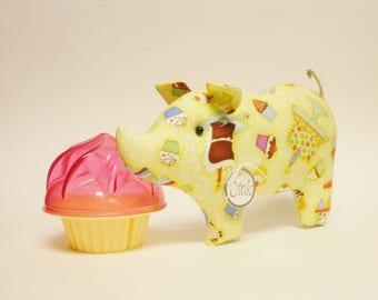 Cake Pig - Made To Order, Birthday Keepsakes, Kitchen Decor, Primitive Animals
