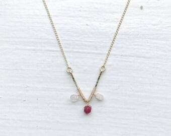 Gold Hammered V Necklace/Gemstone Necklace/Rosequartz Ruby Necklace/Crystal NecklaceGold Necklace/Bridesmaid Necklace/Gold Necklace/