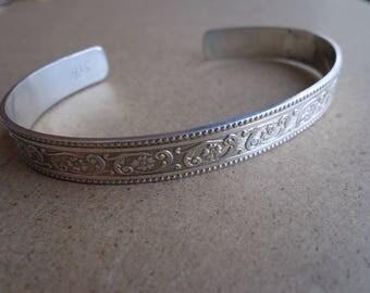 Cuff bracelet. Sterling silver (.925 )