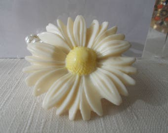 4 Row White Pearl Stretch Cuff Bracelet with a Daisy Flower Bead