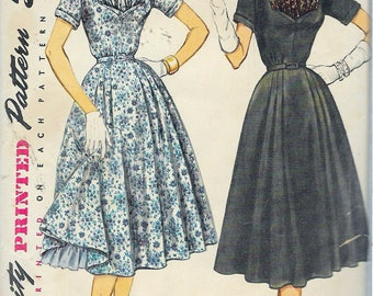 """Vintage 1954 Simplicity 4961 One-Piece Dress & In Half Sizes Sewing Pattern Size 16 1/2 Bust 35"""" UNCUT"""