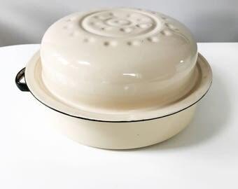 Vintage 1940s Round Enamel Roaster Roasting Pan, Cream with Black Banding