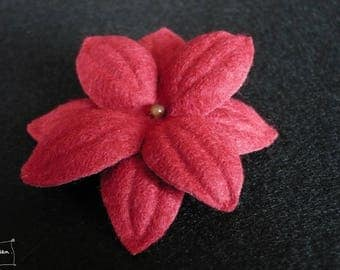 """Nimue"" red flower hair clip"