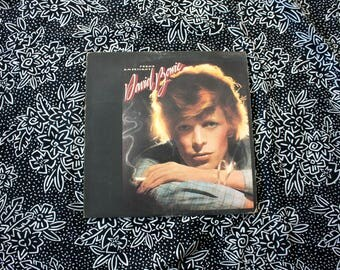 David Bowie - Young Americans -  Vintage Vinyl LP-1975 Original First Pressing RCA Records Release. Glam Rock David Bowie Classic Vinyl