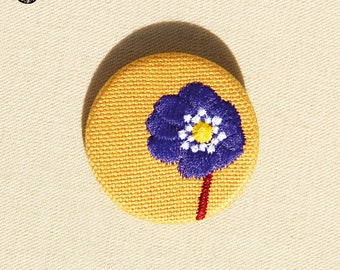 Small embroidered brooch Anemone