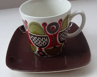 Rare 1970s FIGGJO FLINT, NORWAY Cup and Saucer with fabulous abstract Granada design