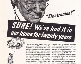 Motorola Radio for Home an Car 1943 Electronics? WW2 Vintage Print Ad