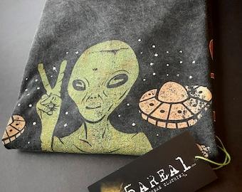 Alien, Alien Shirt, Alien Tee, Alien T-shirt, Alien T Shirt, Alien T-shirt, Alien Head shirt, Alien Heads shirt,5area1