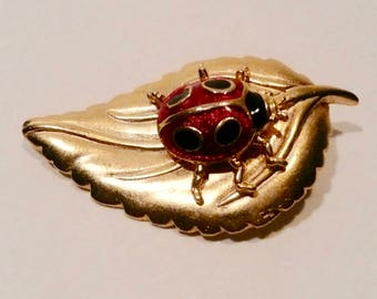 Vintage Tanya's Creations Gold Tone Leaf Brooch With Enamel Lady Bug
