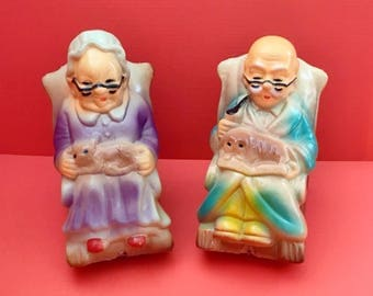 Grandma and Grandpa Coin Bank Set