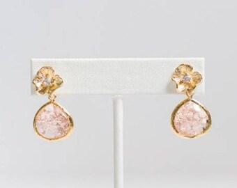 Bridesmaid Earrings, Pink Bridesmaid Earrings, Gold Wedding Earrings, Pink Flower Cracked Glass Earrings, Gold Statement Earrings