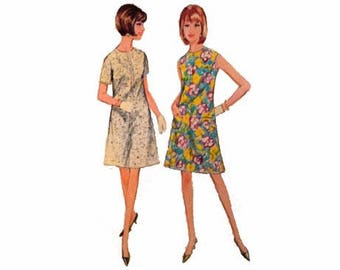 1960s McCall's 8592, A-Line Dress, Size 14, Bust 34, Easy, French Darts at Front, Sleeveless or Short Sleeves, May be Lined, Patch Pocket