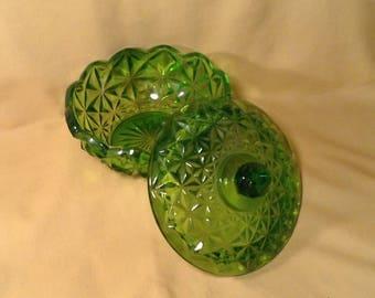 Bright Olive Green Depression Glass Dish - Flower or Star Like Pattern - Lidded Candy, Trinket, Jewelry Dish - Bedroom, Bathroom Decor