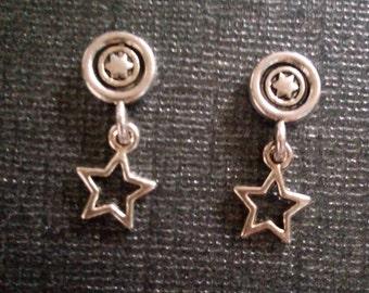 Darling Magnetic Star Dangle Earrings!