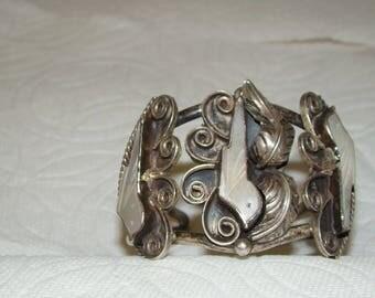 NA #2-I Native American Mother of Pearl Bird Bracelet