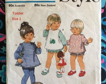 Vintage Dress pinafore bloomers Style 3582 Toddler sewing pattern Size 1