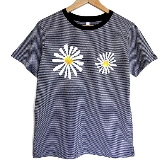 DAISIES t shirt. Cotton black stripeT shirt with flowers. Black t-shirt with daisies