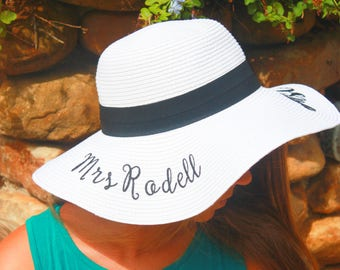 Personalized Beach Hat, Floppy Hat, Bridesmaid Gift, Bridal Party Hat, Bachelorette Party Gift