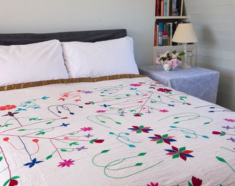 EMBROIDERED BEDSPREAD - Reversible Handstitched Bengali Bedspread