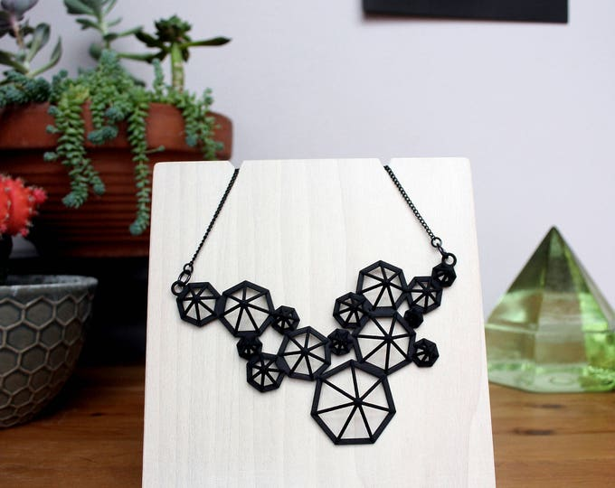 """Zona"" Necklace in Black"