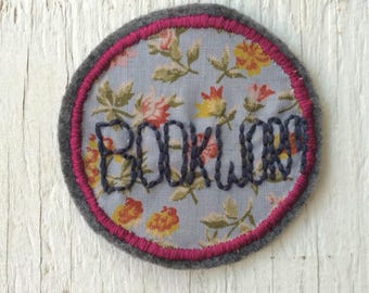 Bookworm sew on patch | Handsewn patch | Made in Quebec