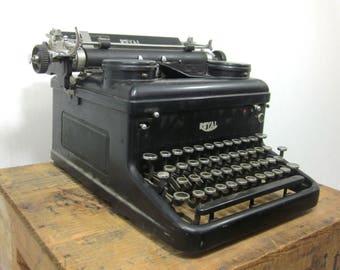 1937 Working Royal KHM Typewriter - a Classic Beauty!