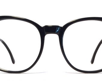 Vintage eyewear. Polo by Ralph Lauren. Made in Italy 1980's. Gloss black. Excellent quality and condition! Rounded shape.