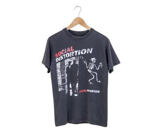 SOCIAL DISTORTION TSHIRT // social distortion shirt / skelly tee / skelli / skeleton / punk rock band / country rock / vintage / adult small
