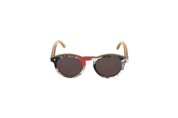 Lunettes de soleil 7PLIS #364 skateboard recyclé #BOWL noir rouge blanc        verre plat gris catégorie 3