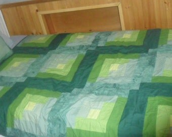 Green Themed Blanket and Pillow Set