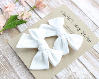 pigtail bows, white bows, bow, pigtail set, white pigtail bows, pigtail bow sets, bow clips, bows for girls, baby bows, christmas hair bows